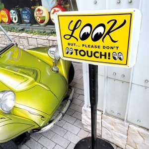 Photo1: LOOK But Please Don't Touch! Plate