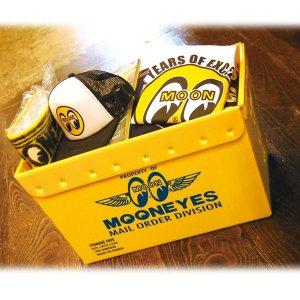 Photo: MOONEYES Storage Tote