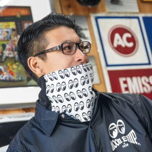 Photo: MOON Equipped Neck Warmer