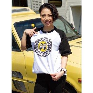 Photo: Yokohama MOONEYES Honmoku Raglan T-shirt